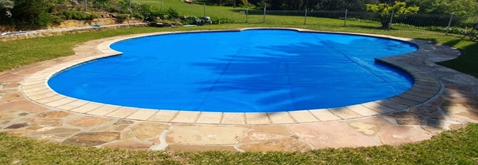 Thermal GeoBubble Cover - PowerPlastics Pool Covers | PowerPlastics ...
